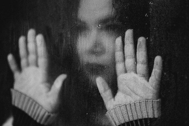 Ikatan trauma (Trauma bonding), Alasan Korban Membenarkan dan Bertahan Dengan Pelaku Kekerasan